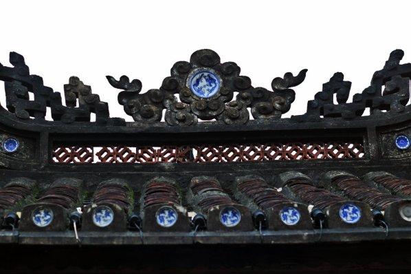 Ceramics on the roof of Japanese Bridge