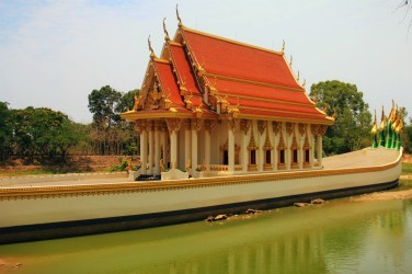 Replica of Royal Barge in Wat Ban Na Muang