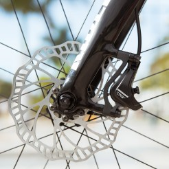 campagnolo_campy-tech-labs_road-disc-brake_sneak-peek_14_front-post-mount