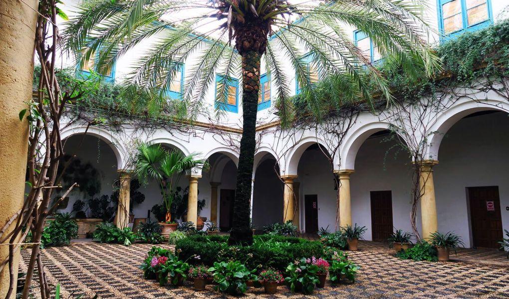 Patio del Palacio de Viana en Córdoba, España