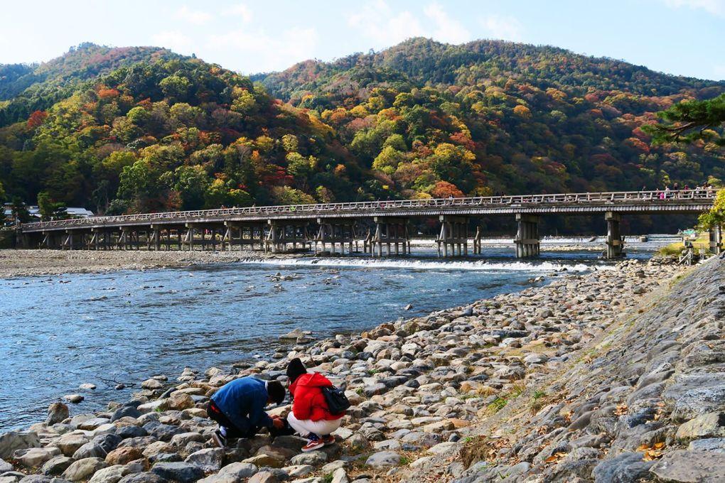 Puente Togetsukyo en Arashiyama, Kioto, Japón