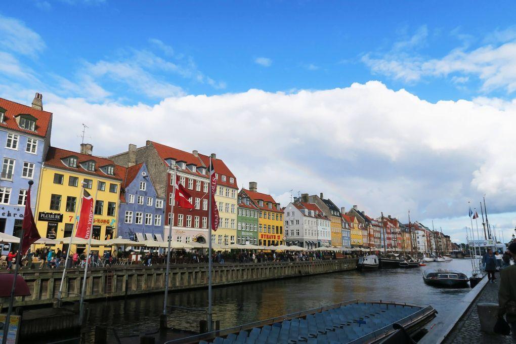 Casas de colores en Nyhavn en Copenhague, Dinamarca