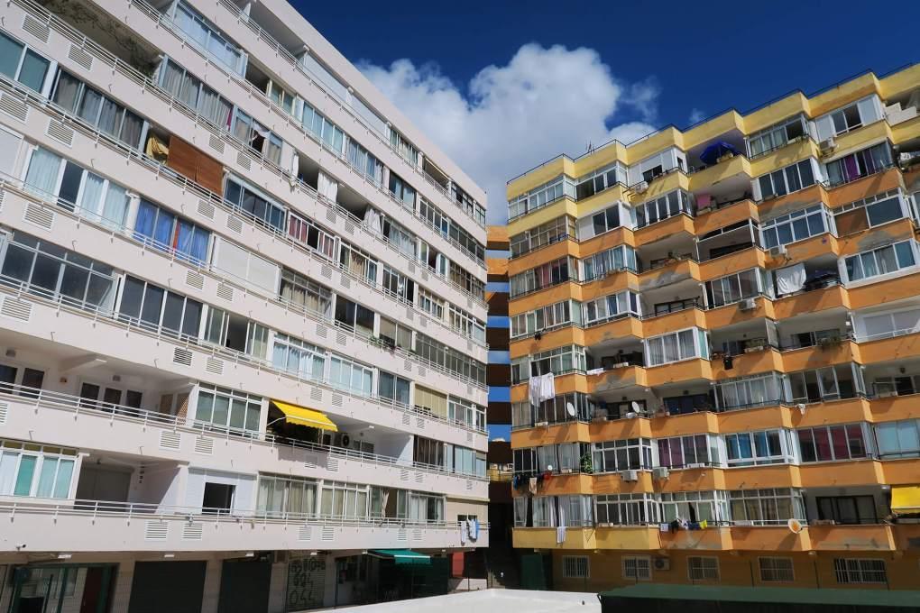 Urbanizaciones costeras en Palma de Mallorca, España