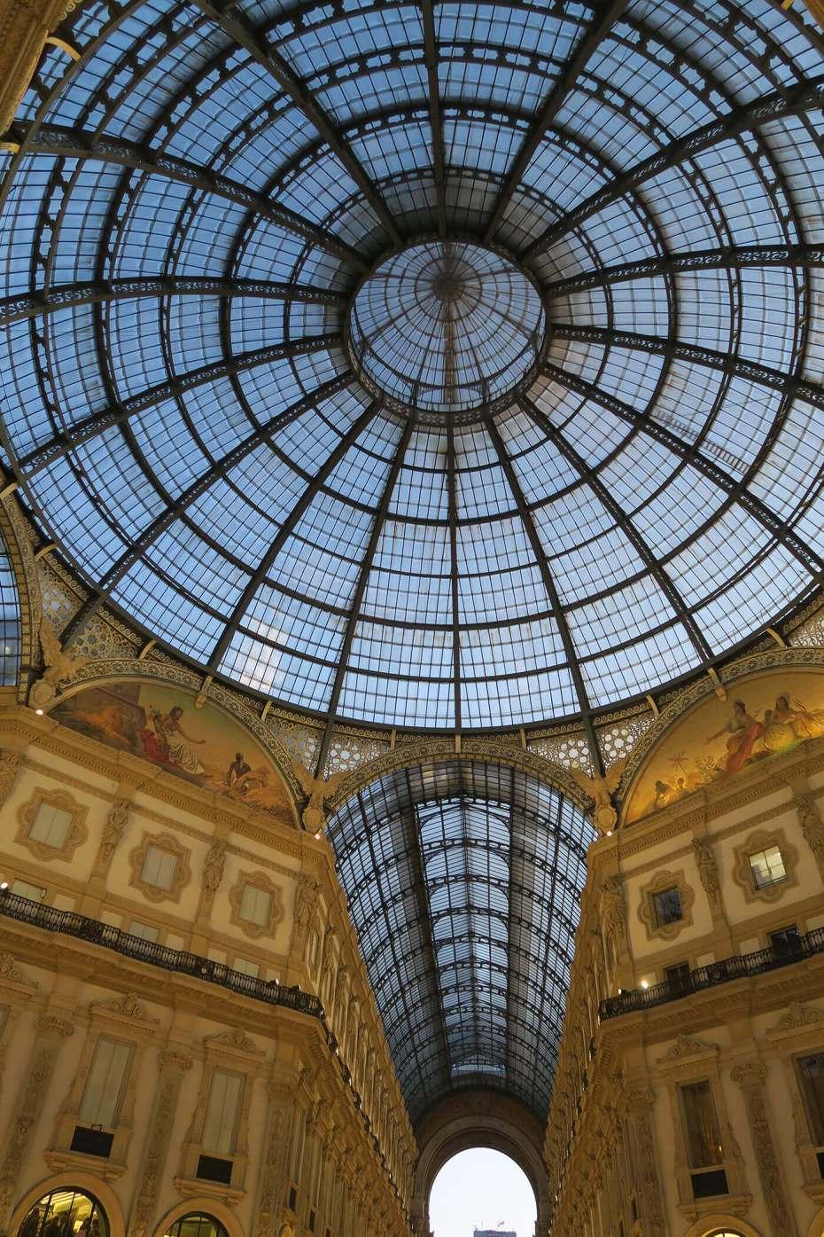 Cúpula de la Galleria Vittorio Emanuelle II en Milán, Italia