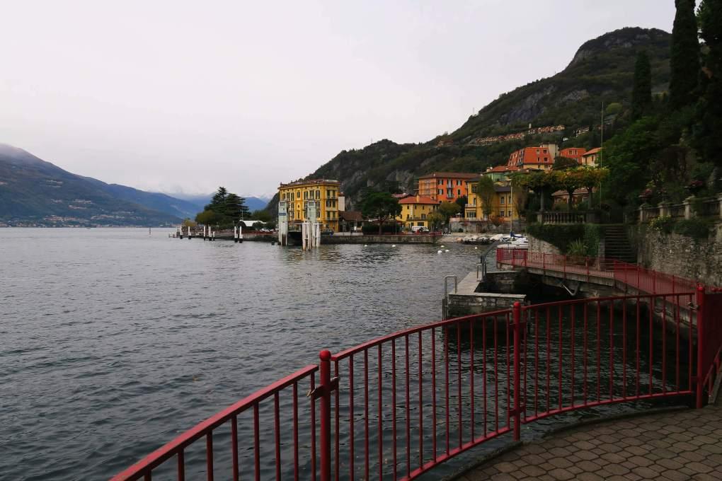 Paisaje nublado en el Lago de Como, Italia