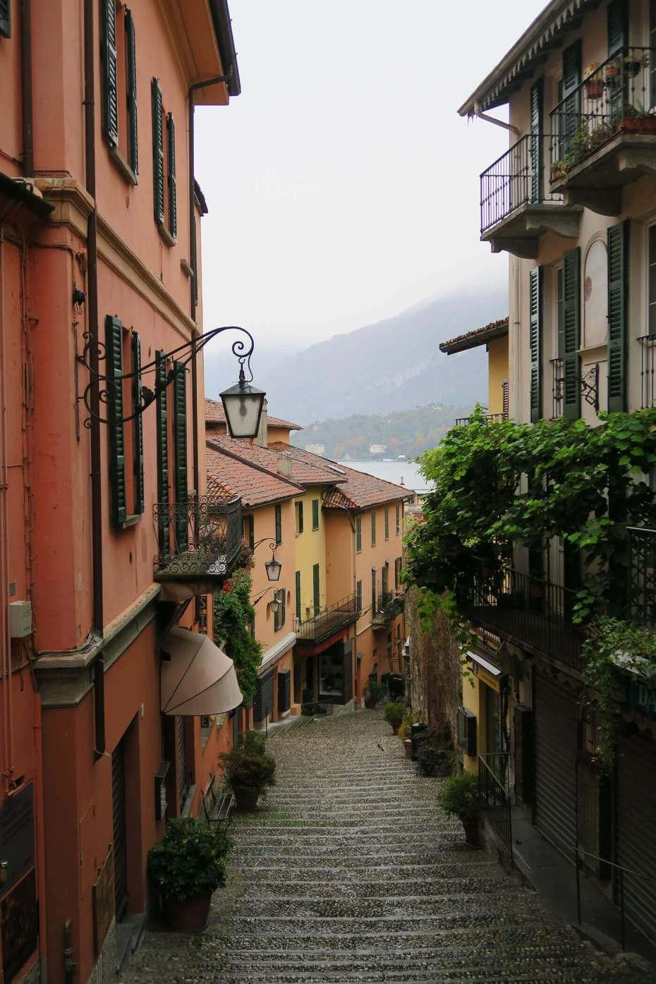 Calles vacías en Bellagio, Italia