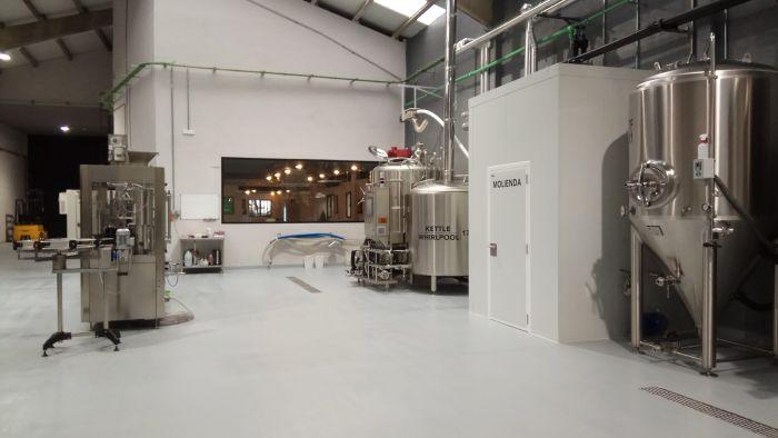 Fábrica Cervezas Península