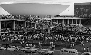 """Manifestações """"Diretas Já"""", 30 anos atrás."""