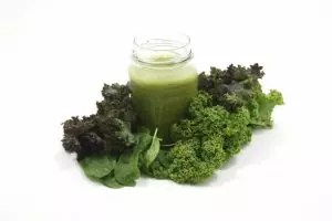 healthy-green-smoothie-drink