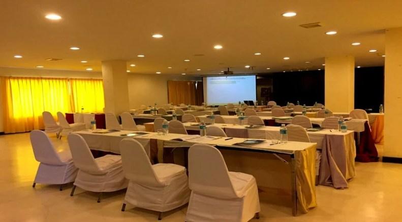 Hôtel 50 chambres à vendre à Maenam Koh Samui + blanchisserie rentables
