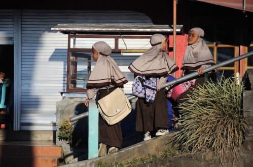 Candikuning – muslimské školačky