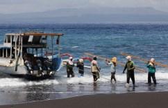 Kusamba – černá pláž