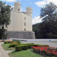 Vodní nádrž a zámek Orlík, krása v rukou Schwarzenbergů