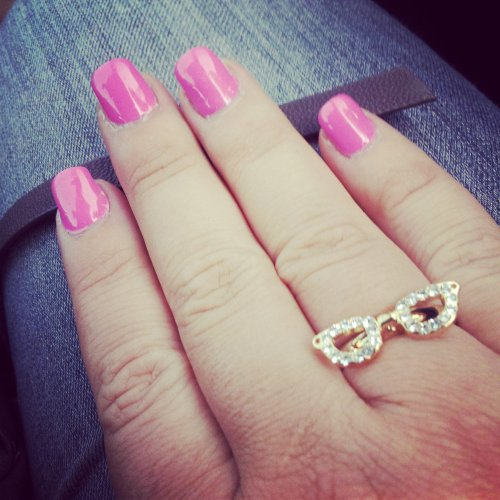 montre-moi-tes-ongles-rose