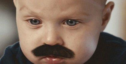 bébé-moustachu-samsung
