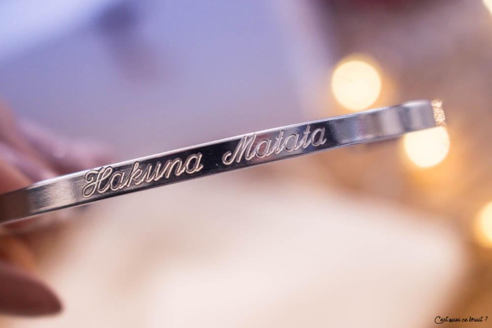Bracelet gravé Hakuna Matata
