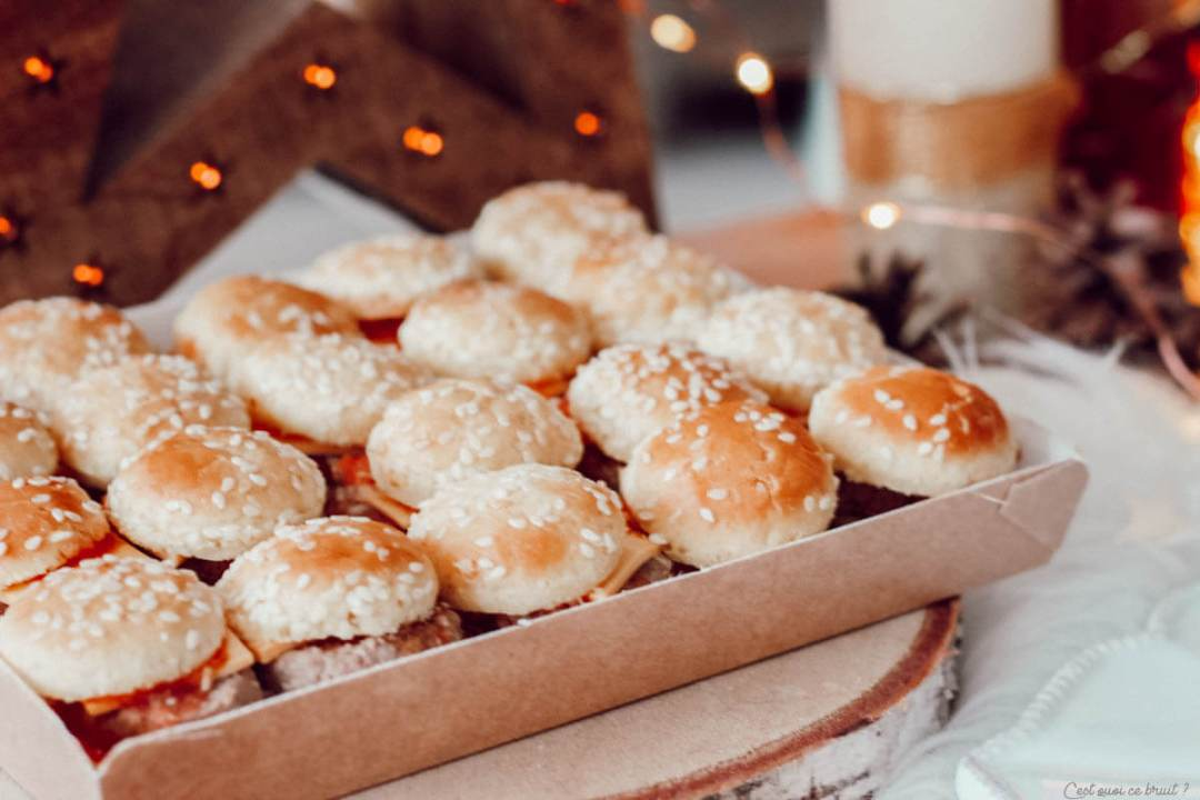 Apéritif dînatoire de fêtes, Noël Jour de l'An avec le traiteur Flunch, mini burgers