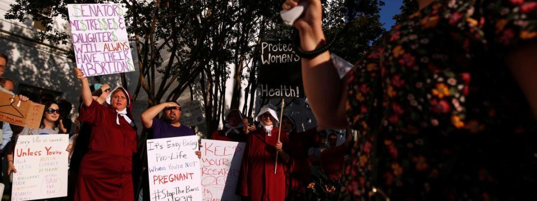 Manifestation de femmes après la loi anti avortement en Alabama en 2019