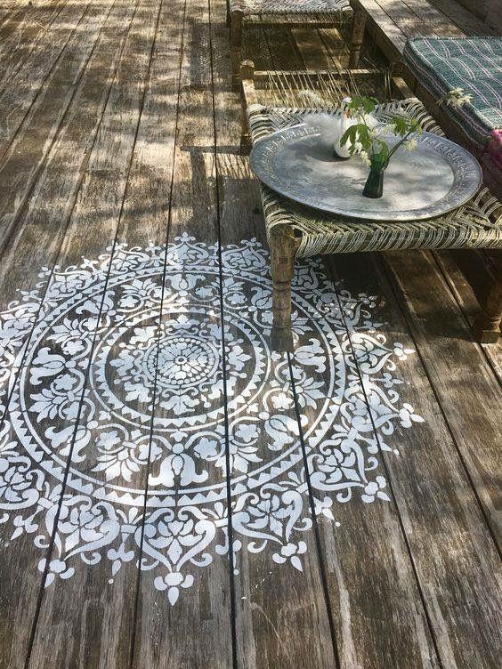 Sol en bois boho pour terrasse