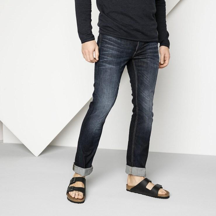 Idée pour look estival pour homme avec des sandales