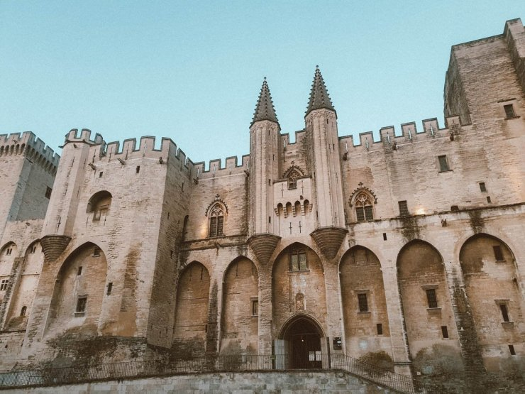 Visiter Avignon en famille