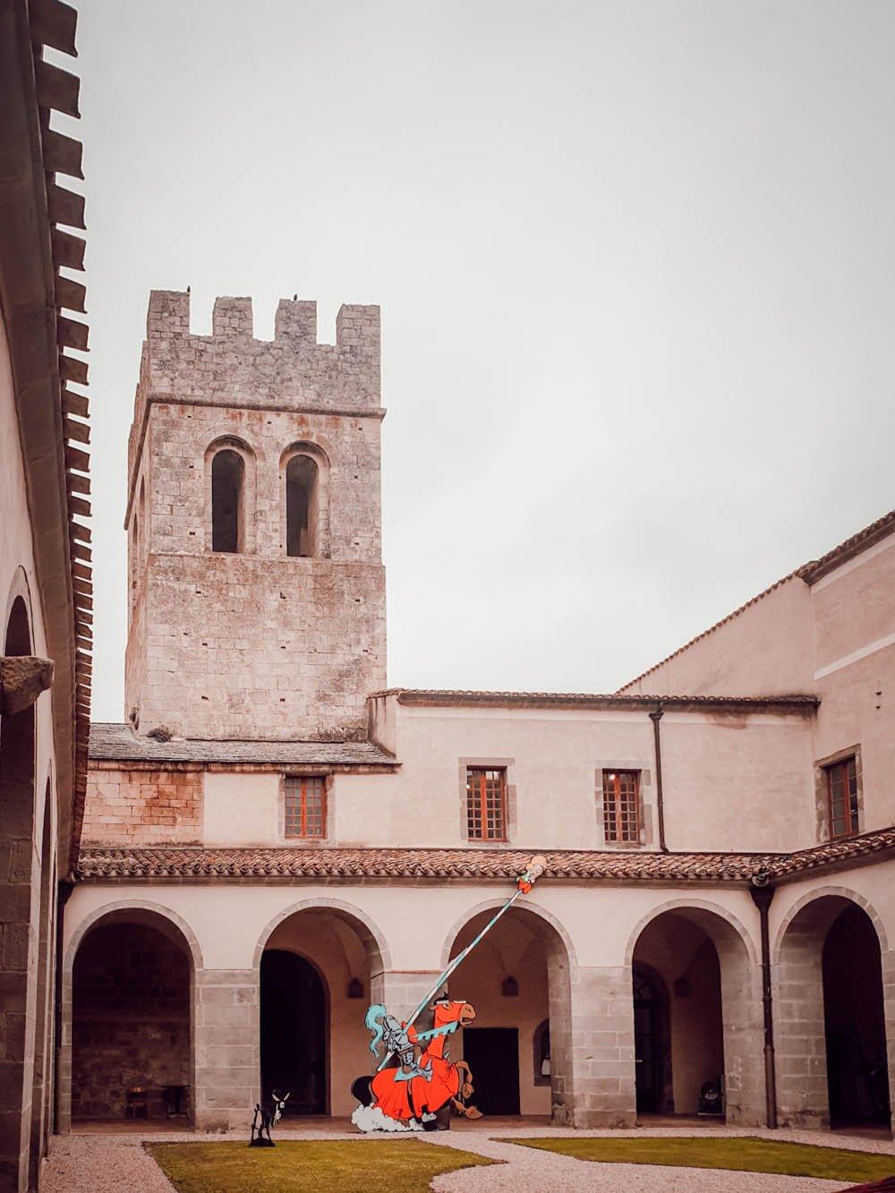visiter l''Abbaye de Caunes-Minervois