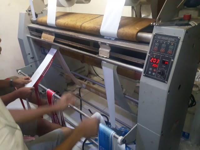 Proses pembuatan tali id card printing