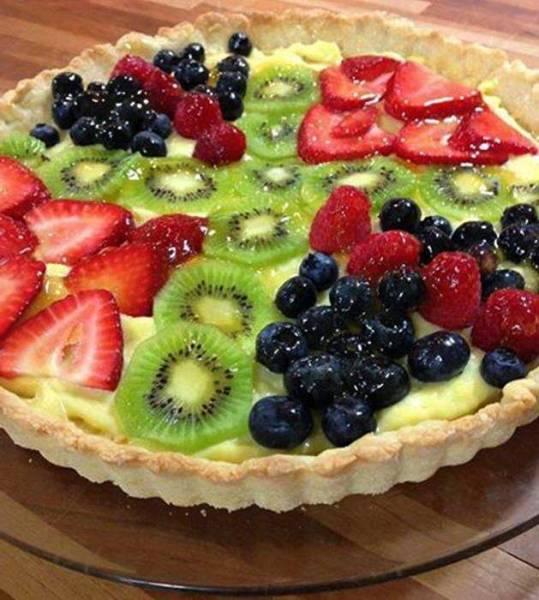 Le ricette di Franca.. crostata con crema e frutta.