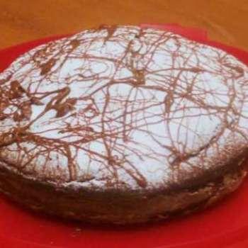 Le rubriche di Cettinella:ilmondodiellys.. Torta al cioccolato al profumo di arancia