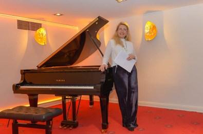 Yvonne Trübger Pianohaus Trübger bei ihrer Ansprache