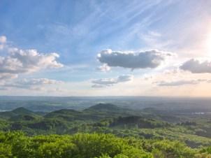 Auf dem Ölberg im Siebengebirge kann man weit ins Land schauen