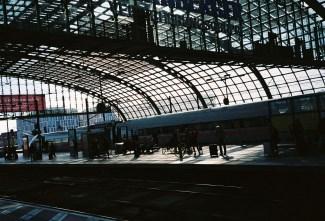 Berliner Hauptbahnhof - Vormittagssonne Anfang September