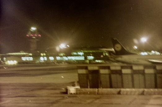 FCO - Mein kürzester Flug mit einem großen Jet war nach 5 Stunden Verspätung spät Nachts mit AirBerlin vom Flughafen Rom-Ciampino quer über die Stadt zum Flughafen Rom-Fiumicino, weil wir tanken mußten