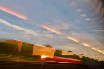 Im Zug Abfahrt aus Dortmund am frühen Abend