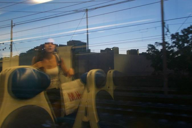 Neapel - Regionalzug am Abend von Casoria-Afragola nach Napoli Centrale