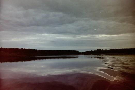 Russland – Fahrt ganz früh morgens mit dem Boot zur Entenjagd