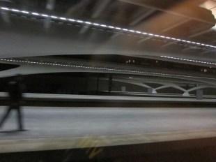 Aus dem anfahrenden Zug fotografiert