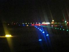 Kurz vor dem Start nachts am Flughafen Köln/Bonn