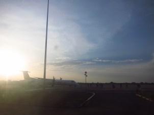 Einsteigen am Flughafen in Bahir Dar, Äthiopien