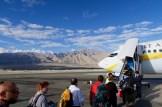 Einsteigen am Flughafen in Leh, Indien