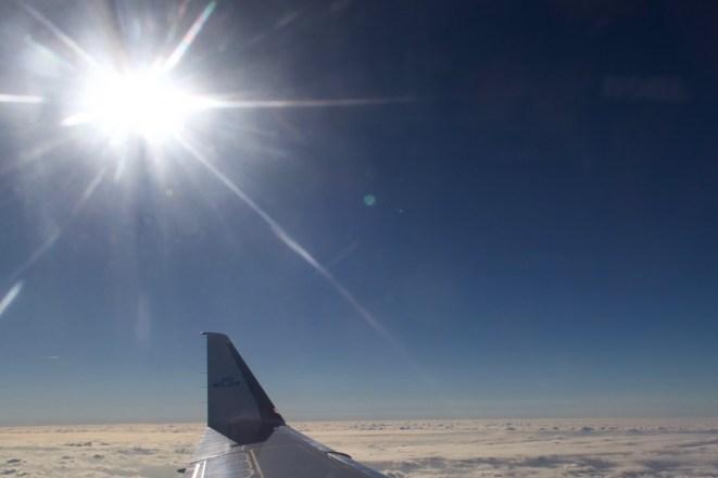 Nachmittagssonne auf dem Flug von Düsseldorf nach Amsterdam