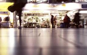 Am Frankfurter Hauptbahnhof: Fleurop, Blummedibbe und Blümmelscher bei Blumen Hanisch