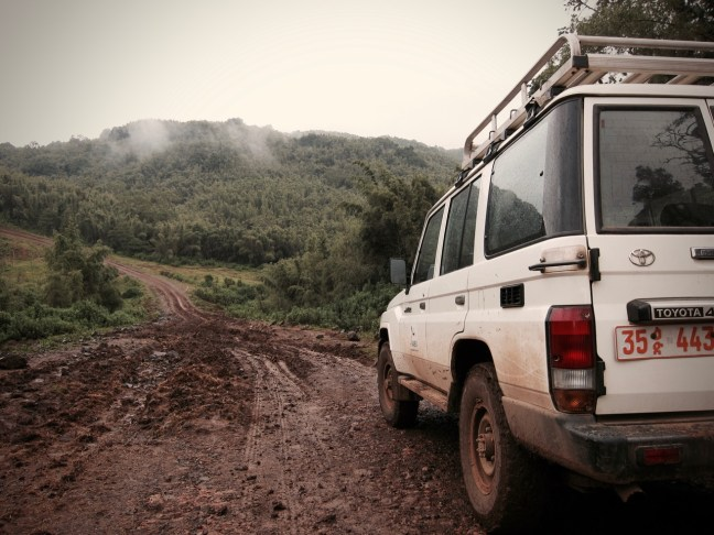 Auch mit dem Jeep kommen wir in während der Regenzeit in Kaffa nicht immer einfach voran.