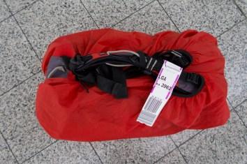 LGA - Das Gepäck ist in New York angekommen. 'Self Tag' heißt, dass man es selber eingecheckt hat