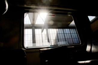 Zugfenster am Nachmittag