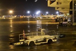 WAW - Warschau Airport am Abend