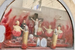 Im Fegefeuer am Straßenrand in Neapel