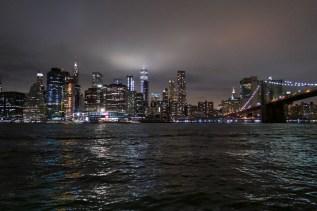 Blick auf Manhattan. Abends beim Brooklyn Bridge Park - Pier 6