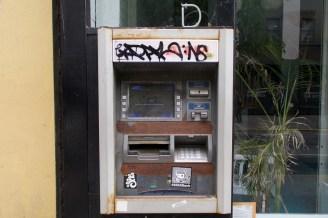 Abgerockter ATM - dieser Geldautomat hat auch schon länger keine Dollars mehr gesehen