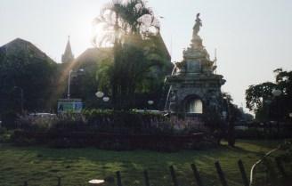 Flora Fountain Mumbai India 2006 Fuji Superia 200